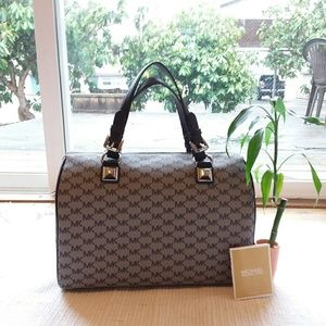 Michael Kors • Large Grayson Satchel Black & Gray